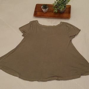 Mossimo Flared rayon Tee in army green size S